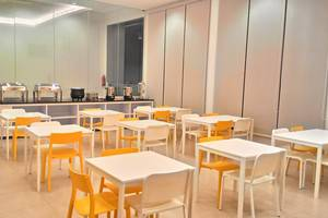Everyday Smart Hotel Mayestik - Ruang makan