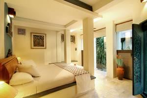 Alam Puri Art  Bali - Arka kamar