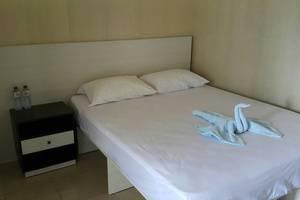 Ambulu Hotel Jember - deluxe fan