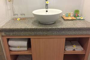 Puri Saron Hotel Seminyak - deluxe bathroom
