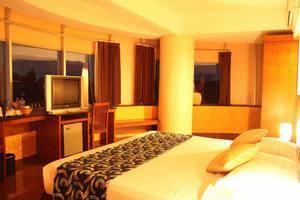 Oval Hotel Surabaya - Kamar Tamu