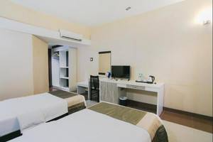 Oval Hotel Surabaya - Superior Room