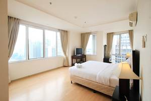 3 Bedroom at FX Sudirman by Travelio