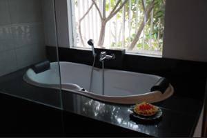 Ocean View Residence - Hotel Jepara Jepara - Bathroom