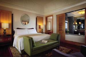 The Ritz-Carlton Mega Kuningan - Guestroom