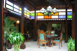 Griya Nalendra Guest House Yogyakarta - Property Grounds