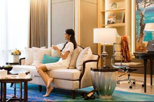 Raffles Hotel Jakarta - Library