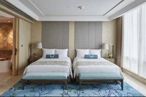 Raffles Hotel Jakarta - Bathroom