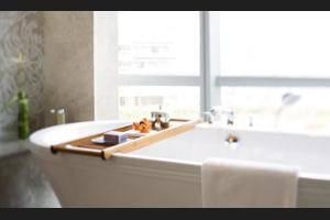 Raffles Hotel Jakarta - Bathroom Amenities