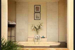 The Ubud Village Resort & Spa Bali - Deep Soaking Bathtub