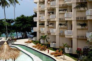 Hawaii Resort Family Suites Anyer - Fasilitas