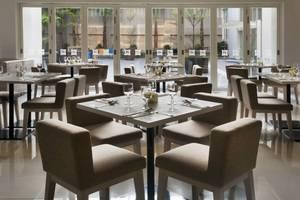 All Seasons Gajah Mada - Restaurant