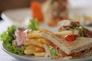 Hotel Kaisar Jakarta - Makanan