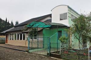 Villa R1-8 Istana Bunga - Lembang Bandung
