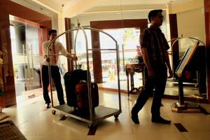 Grand Malioboro Jambi - bellboy