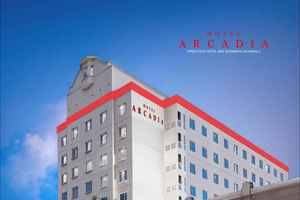 Hotel Arcadia Surabaya - gedung tampak depan