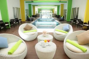 MaxOneHotels at Resort Delia Makassar - Kolam Renang