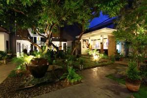 Gosyen Hotel Bali - Taman Belakang