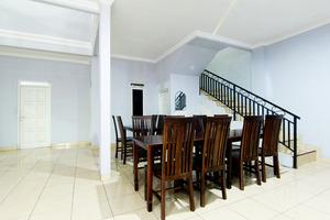 Almaidah Homestay Yogyakarta - Dining Area