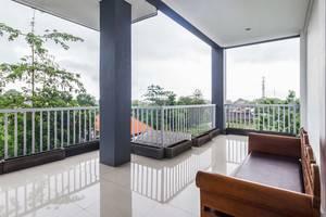 RedDoorz @ Jimbaran Hill Bali - Balkon