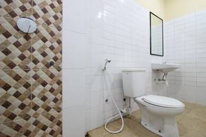 Hotel Wisma Ananda Jogja - Kamar Mandi