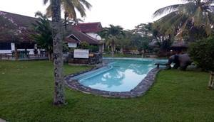 Cleopatra Beach & Resort Hotel Sukabumi - Pool