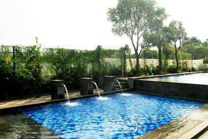 High Livin Apartment Bandung - Kolam Renang