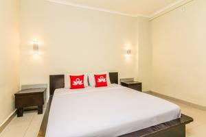 ZenRooms Kuta Centre Kartika Plaza Bali - Tempat Tidur Double