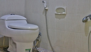 Relic Room Guest House Malang - Bathroom