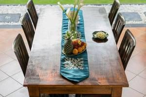 Citrus Tree Villas - Ivory 2 Bali - Meja Makan