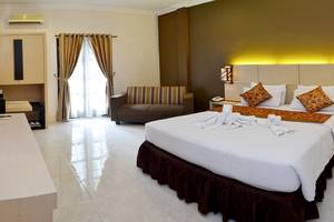 d Green Kayon Airport Hotel Solo - d'Balcony Room