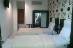Mangga Dua Hotel Makassar Makassar - Room Twin share