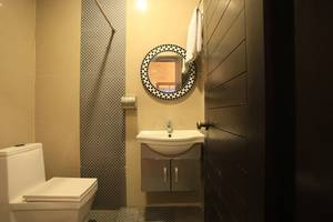 RedDoorz near Simpang Siur Kuta (not active) Bali - Bathroom