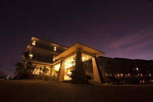 Lorin New Kuta Hotel