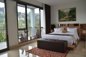 Cempaka 4 Villa Dago Private Pool Bandung - Bedroom