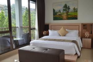 Cempaka 4 Villa Dago 6 Bedroom Bandung - Kamar