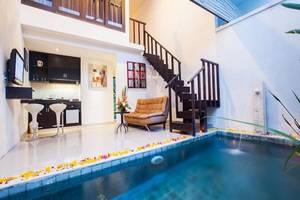 Noah Villa and Chapel Bali - Kolam Renang