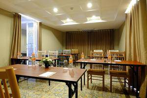 Tibera Hotel Ciumbuleuit Bandung - Ruang Rapat