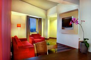 Aston Palembang - Executive living room