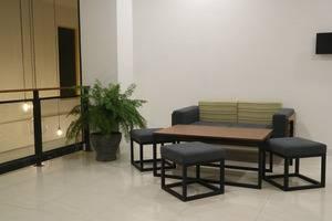 Yello Hotel Manggarai Jakarta - Interior