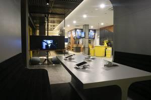 Yello Hotel Manggarai Jakarta - Business Area