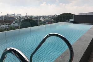Yello Hotel Paskal Bandung Bandung - Pool