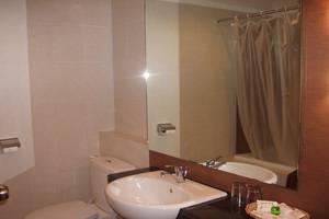 Bintang Mulia Hotel & Resto Jember - Kamar mandi