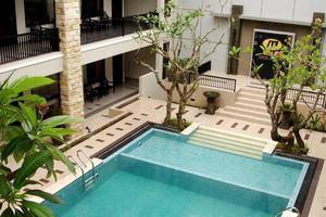 Bintang Mulia Hotel & Resto Jember - Pool
