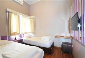 Violet Hotel Malang - Twin