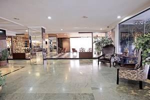 New Metro Hotel Semarang - Lobby Area