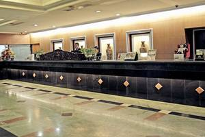 New Metro Hotel Semarang - Reception Desk