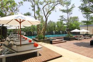Delonix Hotel Karawang - Kolam Renang 1