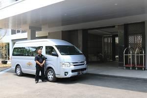 Delonix Hotel Karawang - Transportatoin