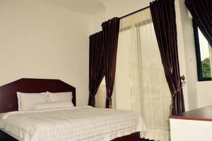 Opriss Hotel & Bungalow Parapat - Kamar
